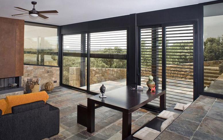 Produzione finestre frangisole a brescia am serramenti - Oscuranti per finestre ...